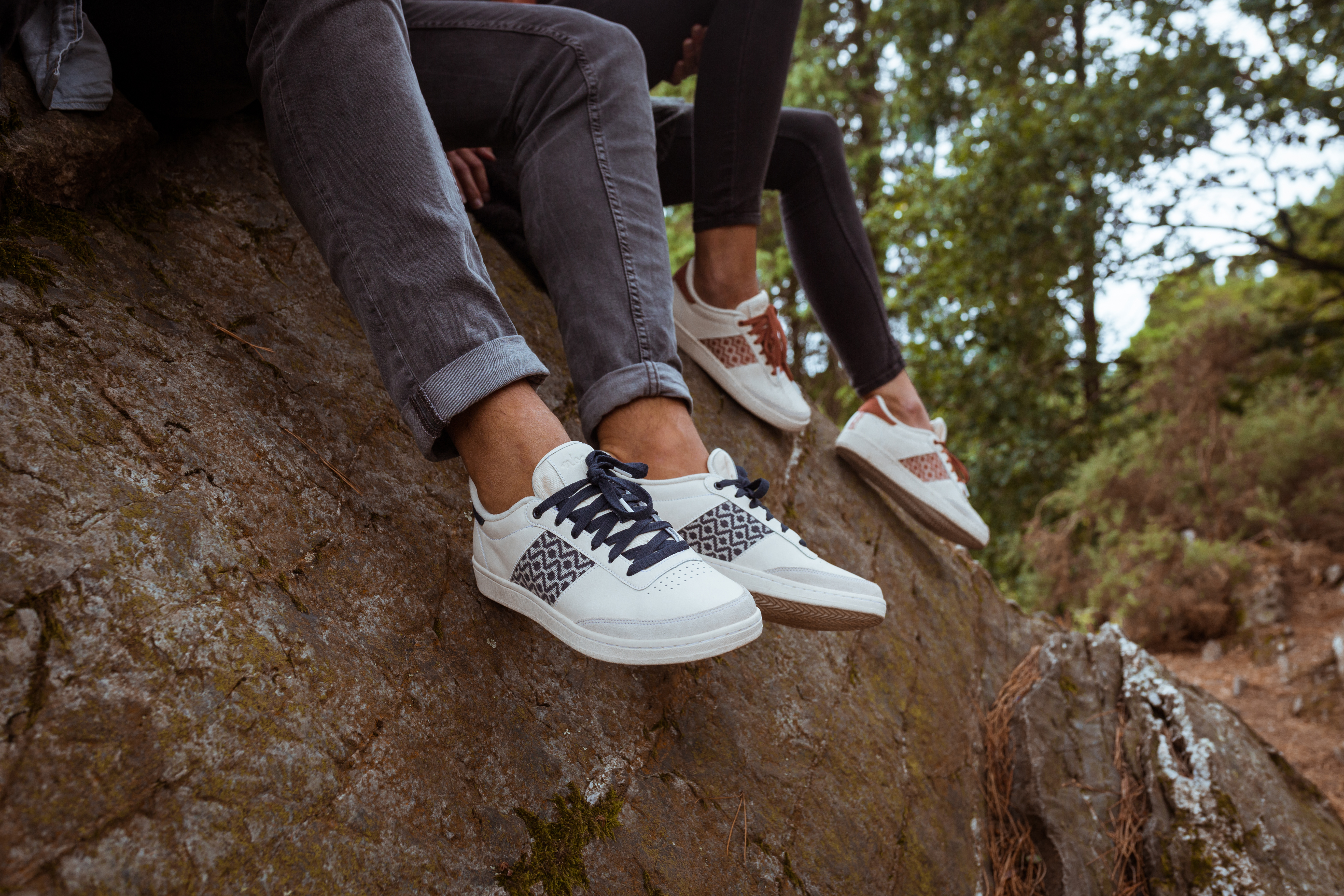 sneakers, blanches